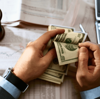 Картинка к статье про стоимость услуг брокеров, как они зарабатывают, сайт Международной Академии Инвестиций